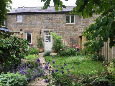 Clematis Cottage Escape (78643)