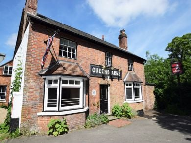 The Queens Arms (78982)
