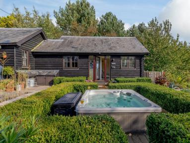 Blackberry Cottage - Icklesham (78992)