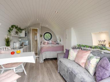 Blossom Lodge (79086)