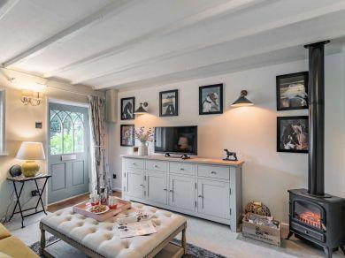 Blacksmiths Cottage (79105)