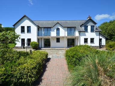 Redenen House (79150)