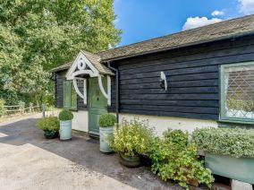 White Magpie Cottage (79180)