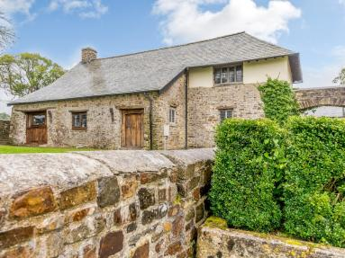 The Old Stables - Dolton (79341)