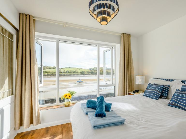 King-size bedroom with views over the Estuary