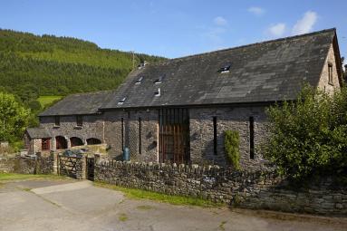 Aber Farm Barn Old Hay House (BN004)