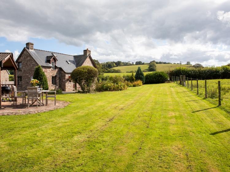 Alexanderstone Cottage (BN011)