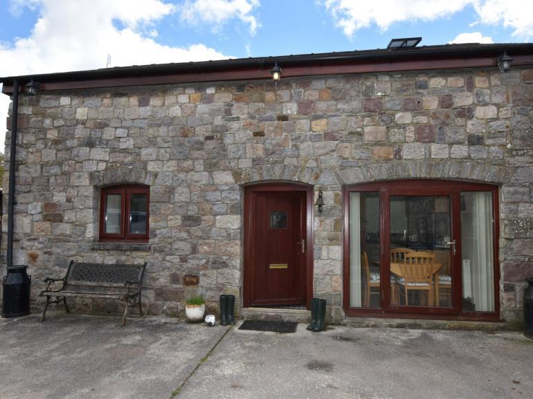 Exterior Beudy Bach Barn