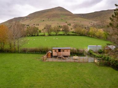 Bills Shepherds Hut (BN048)