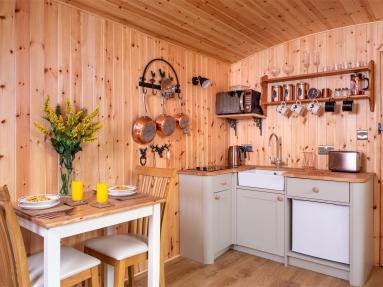 Bills Shepherds Hut (BN048)