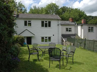 Fernlea Cottage (BN154)