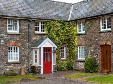 Ivy Cottage - Libanus (BN203)