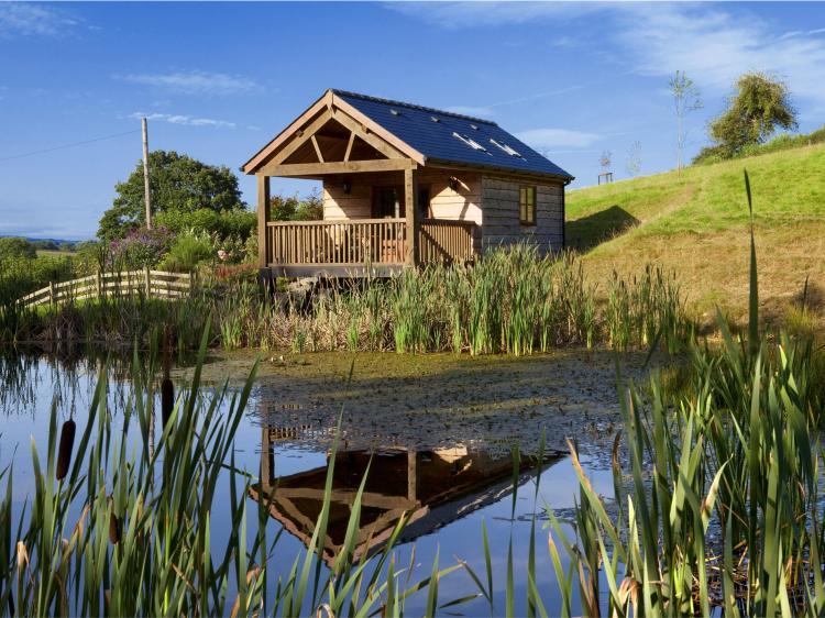 Lily Pond Lodge (BN216)