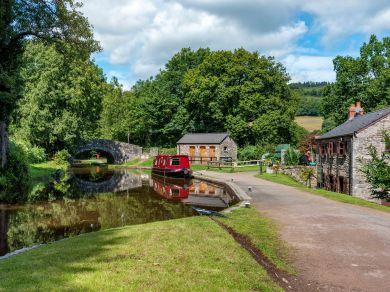 Mill Cottage - Llangynidr (BN244)