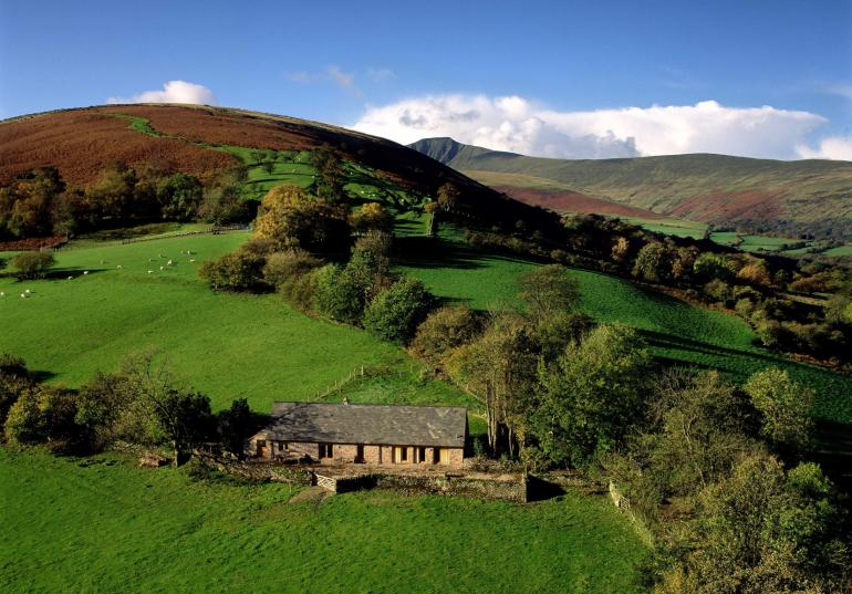 Stunning views of the Brecon Beacons and Black Mountains.