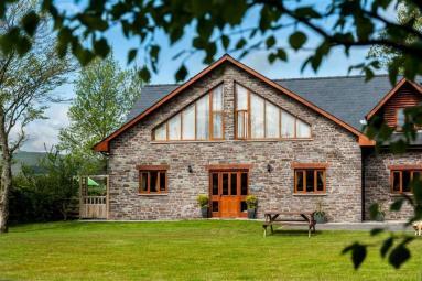 Poplar Tree Eco Lodge (BN292)