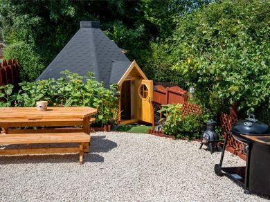 Poppy Seed Hut (BN293)