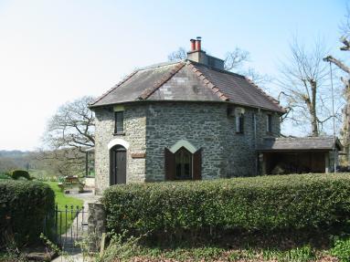 Round Lodge (BN309)