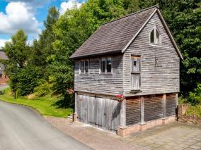 The Studio - Crickhowell Town (BN322)