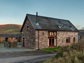 The Barn At Treberfydd (BN333)