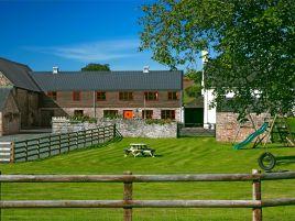 Walnut Tree Barn - Llyswen