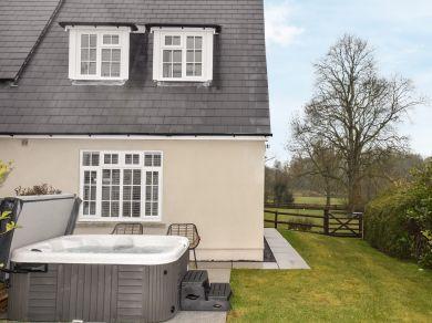 Cwtch Cottage (BN417)