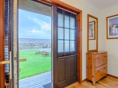 Guinea Fowl Cottage - Newton-by-the-sea (80481)