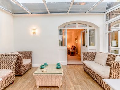 Beach Cottage - Newton-by-the-sea (80482)