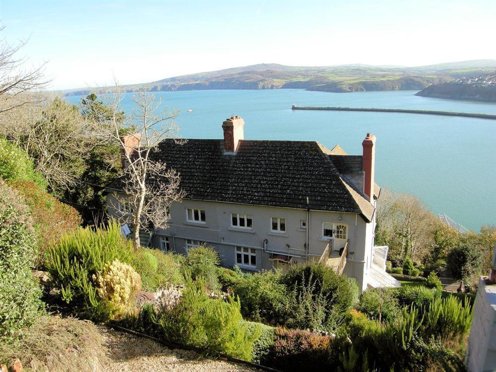 1 Bedroom Cottage in Goodwick, Mid Wales