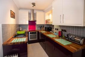 Tredegar House Flat 4 (FB282)