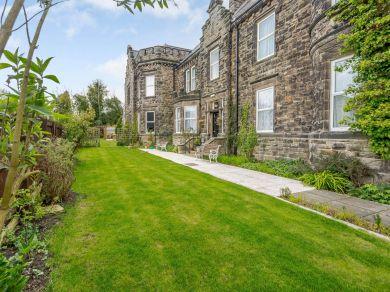 Ravenslaw House (81050)
