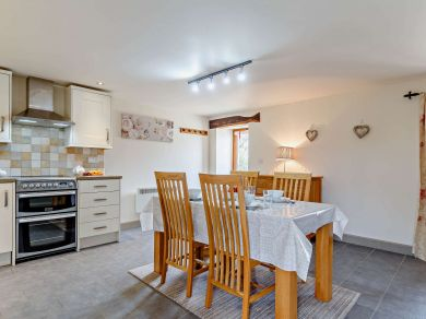 Rose Cottage - Higher Worthyvale Farm (81244)