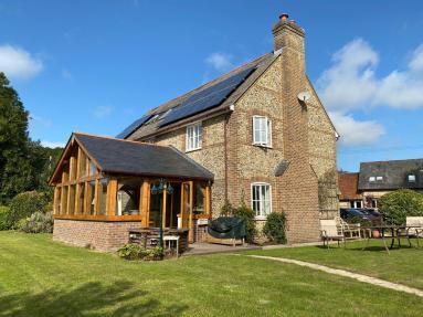 Chelsea Cottage (81266)
