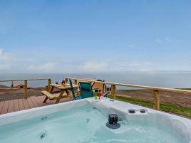 Highland Hot Tub Retreat 3