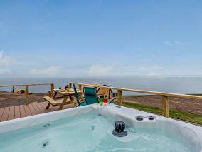 Highland Hot Tub Retreat 3 (81339)