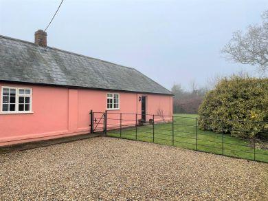 Hollyhock Cottage (81411)
