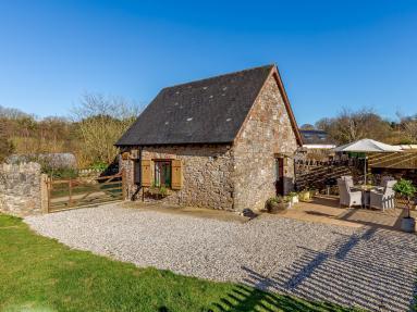 Little Folly Barn (81436)