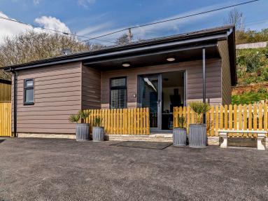 Lynwood Lodge - The Log Cabin (82097)