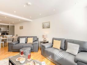 Callan Court Apartment (82132)