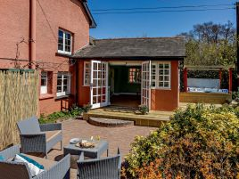 Garden View Cottage At Brooklands Farm