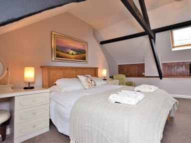 Stone Beam Cottage (82519)