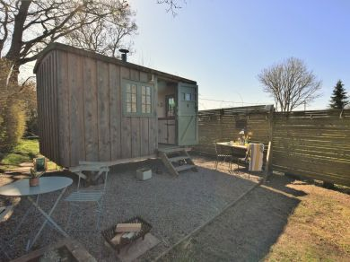 The Sundown Shepherd's Hut (82782)