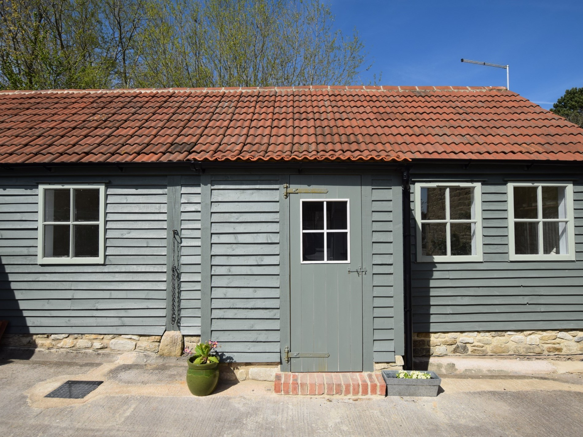 1 Bedroom Cottage in Trowbridge, Dorset and Somerset