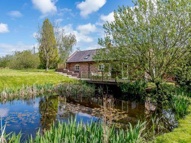 Pond Cottage Ledsham Village (82909)