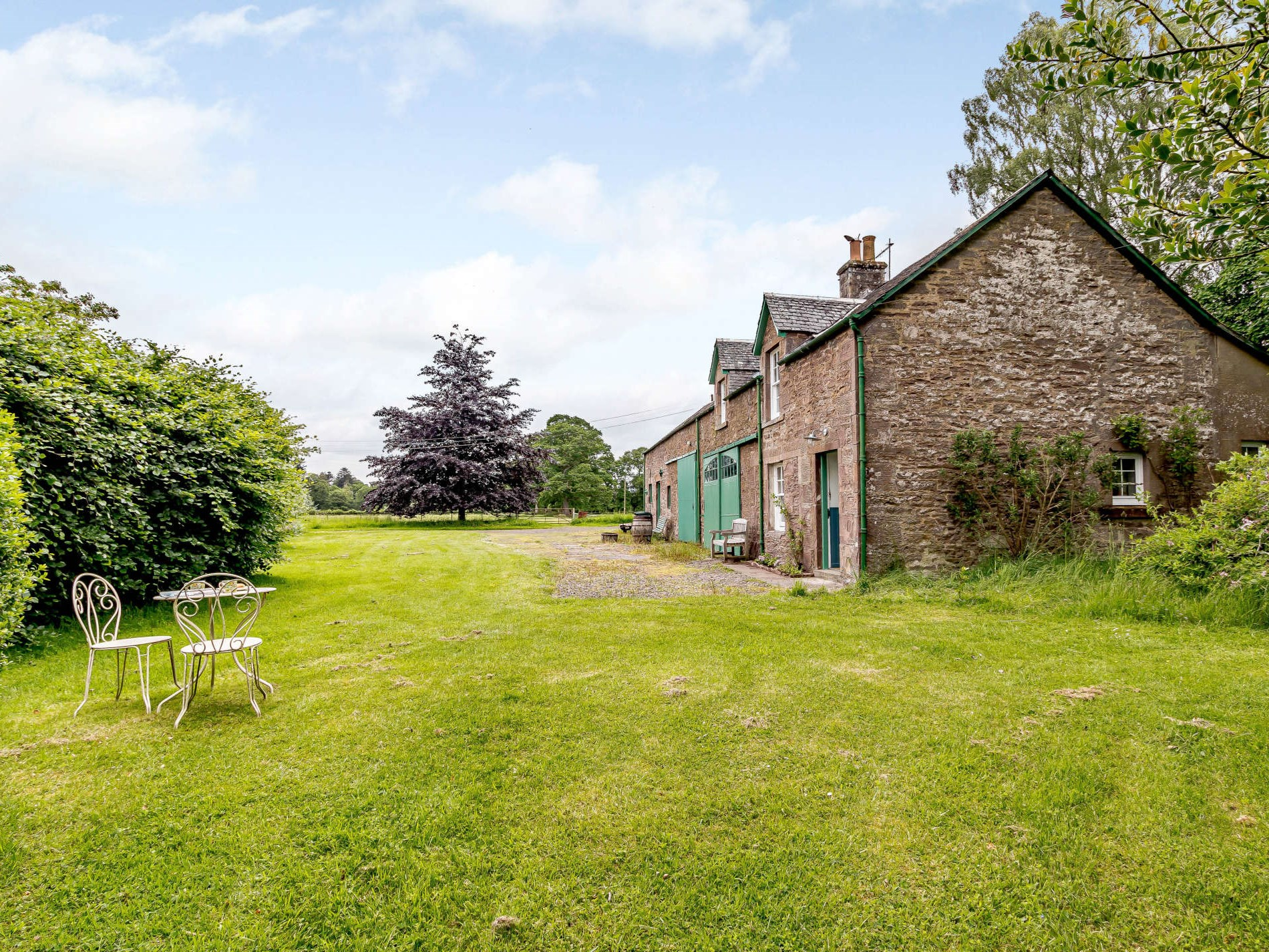 1 Bedroom Cottage in Crieff, Perthshire, Angus and Fife