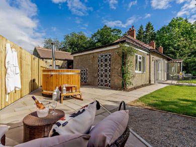 Plum Tree Cottage - Richmond (83085)