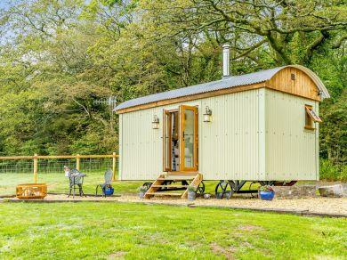 Horseshoe Hut (83421)