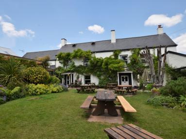 Rydon Inn House (83566)