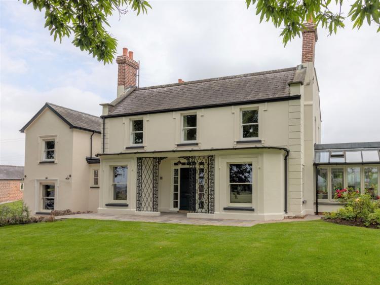 Swinmoor House (83658)