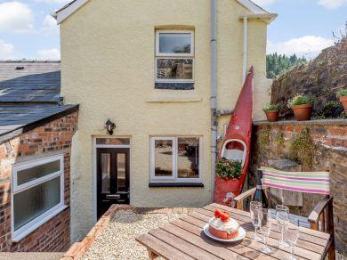 Prides Place Cottage (83665)